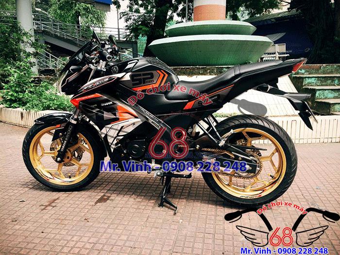 Hình ảnh: Cận cảnh xe FZ độ cánh gà cực đẹp tại Shop đồ chơi xe máy 68 TpHCM Q1