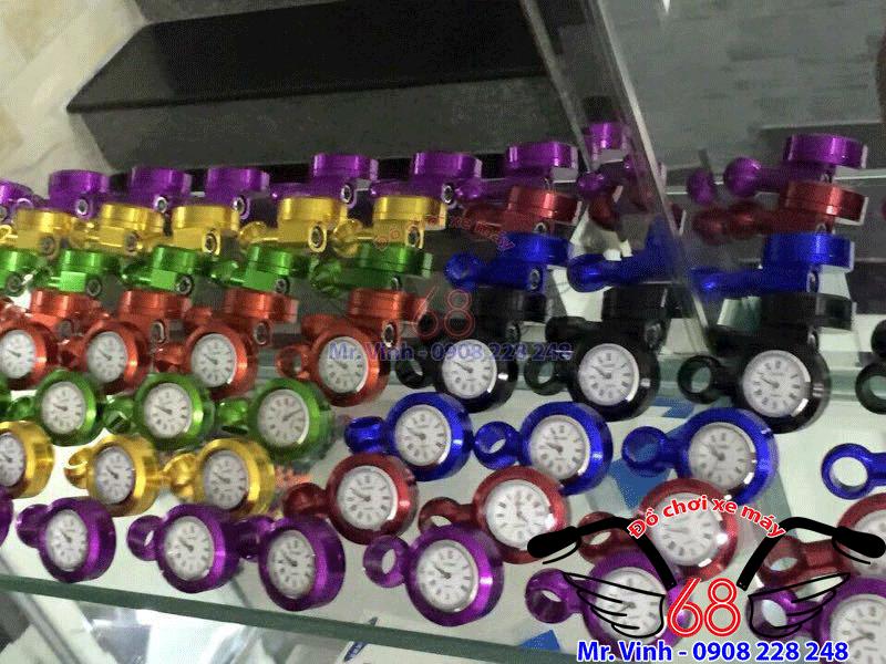 Hình ảnh: Đồng hồ gắn kính chiếu hậu đủ màu giá rẻ tại TPHCM