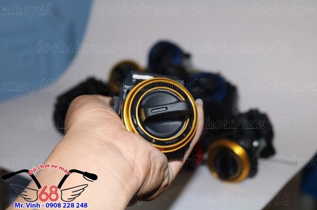 Khoa-smart-key-nap-tron-CNC-gia-re-tai-shop-68-TPHCM-Q1