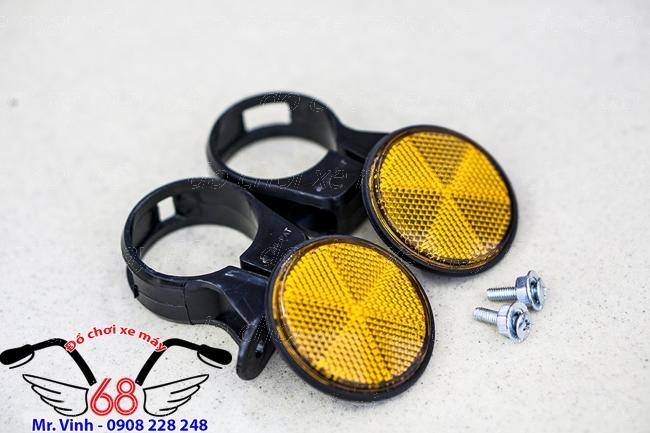Hình ảnh: Đèn mắt mèo, đèn phản quang ráp phuộc trước màu vàng dành cho SH 2017 và SH 300 giá rẻ tại shop 68 TPHCM Q1
