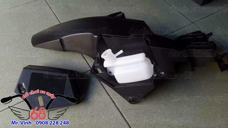 Hình ảnh: Chắn bùn dè nhỏ sau xe Vario có bình nước tại shop 68 TPHCm Q1