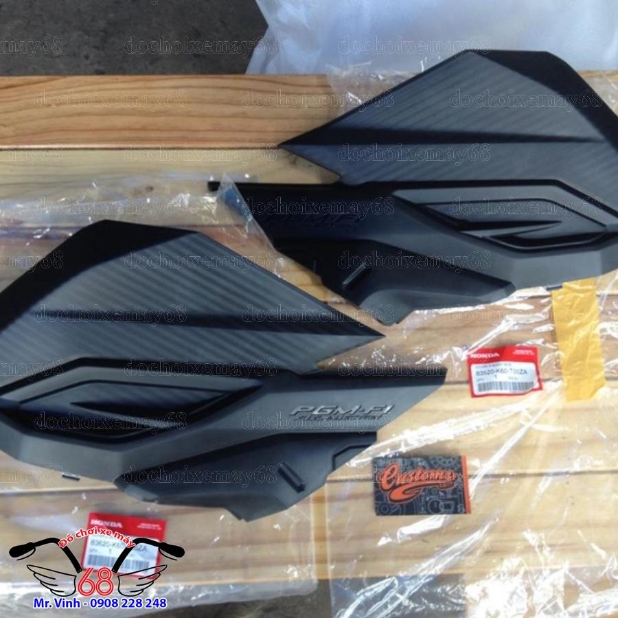 HÌnh ảnh: Yếm gác chân sau nhựa đen xe Vario 150 tại shop 68 Q7